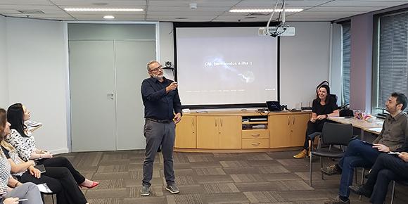 Em reunião com a Comissão Mundo, Benito Barreto apresentou o Método Mashup .Ométodo une Design Thinking, Leab Startup e Agile em um só treinamento.