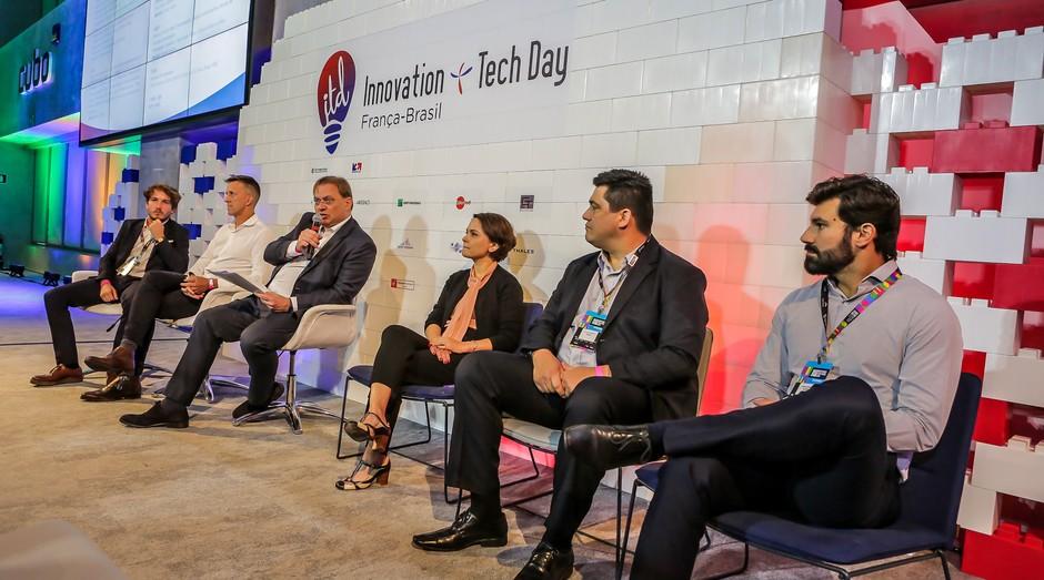 Durante o Innovation & Tech Day, da Câmara de Comércio França-Brasil, executivos discutiram como as startups ajudam na inovação de grandes empresas.