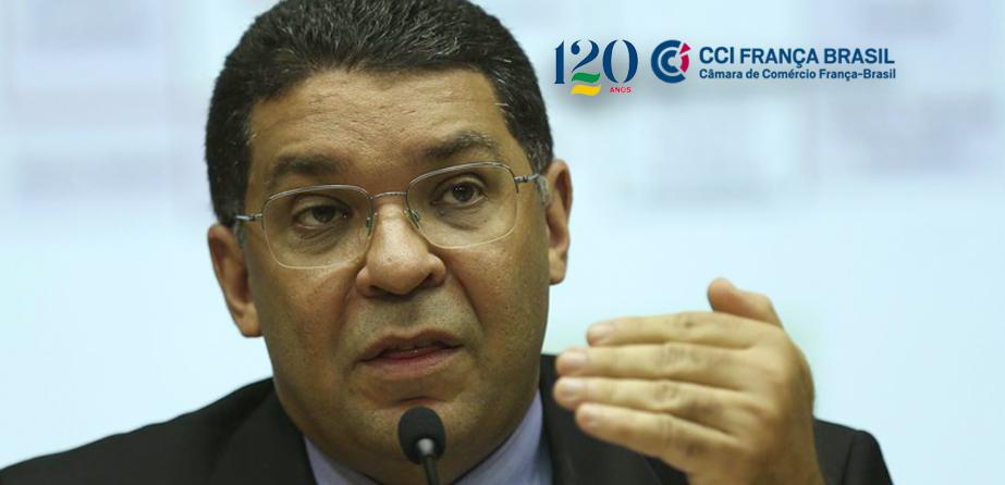 Durante videoconferência promovida pela CCIFB, secretário do Tesouro Nacional afirma que volta à normalidade após distanciamento social ainda é incerta.