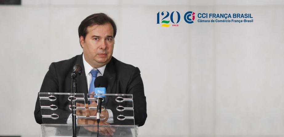 Segundo Rodrigo Maia, não prorrogar o auxílio emergencial é mais carro do que prorrogá-lo. Afirmação foi feita em videoconferência promovida pela CCIFB.